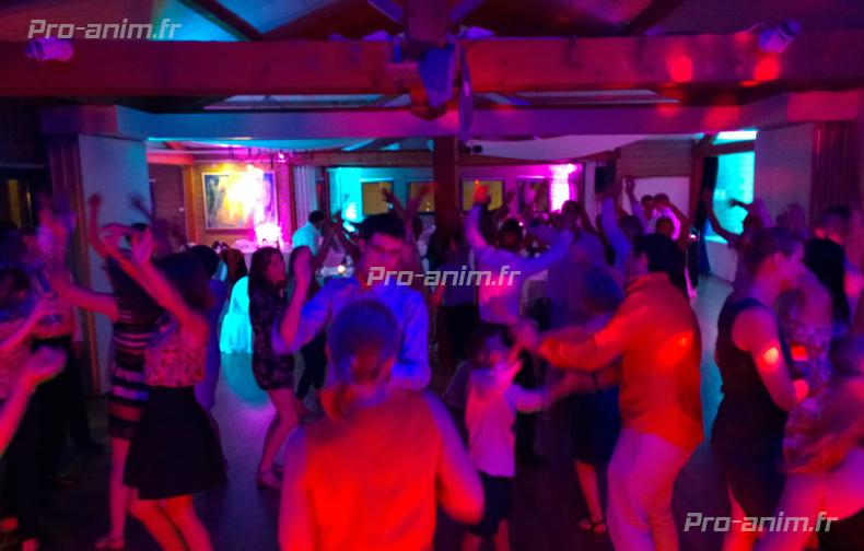 ambiance_piste_de_danse_dj_professionnel